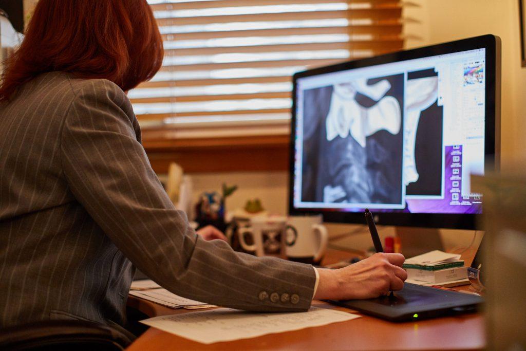Certified Medical Illustrator creating spine medical illustration